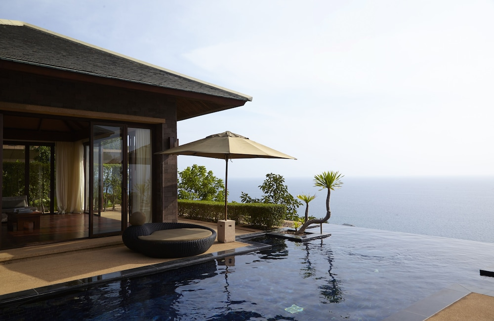 https://i.travelapi.com/hotels/3000000/2900000/2898300/2898282/35140ae2_z.jpg