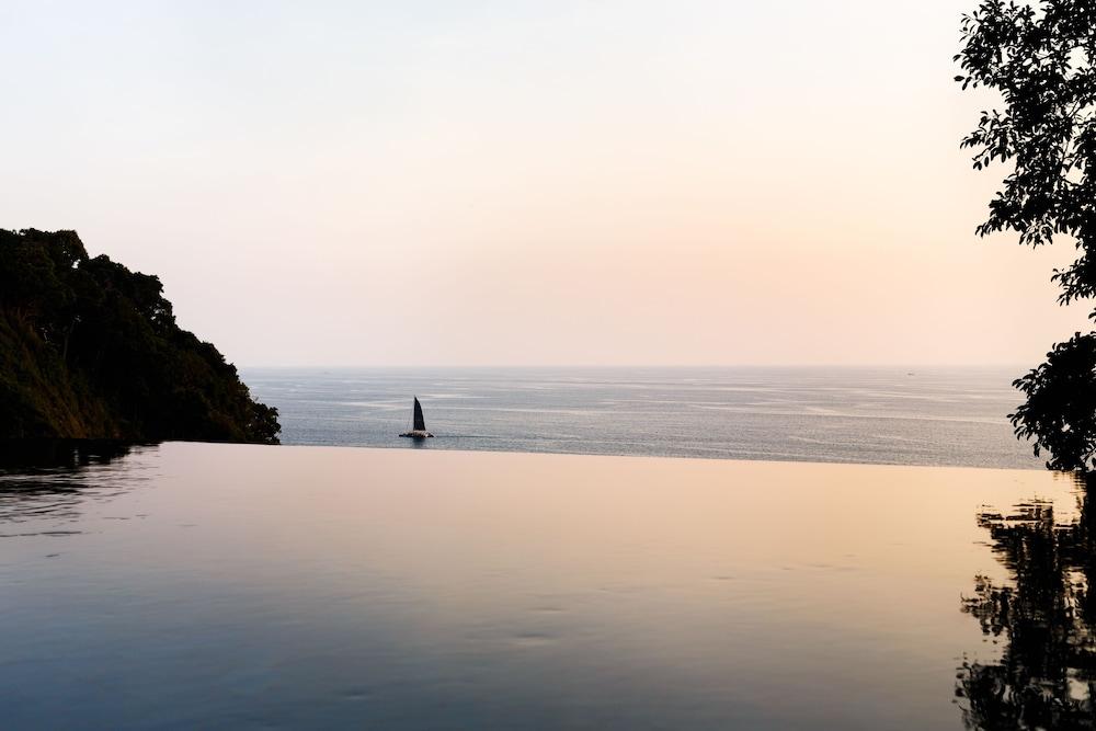 https://i.travelapi.com/hotels/3000000/2900000/2898300/2898282/93f91e04_z.jpg