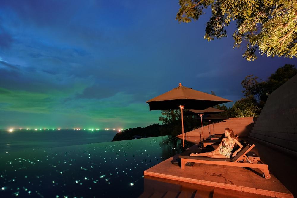 https://i.travelapi.com/hotels/3000000/2900000/2898300/2898282/a0267c07_z.jpg