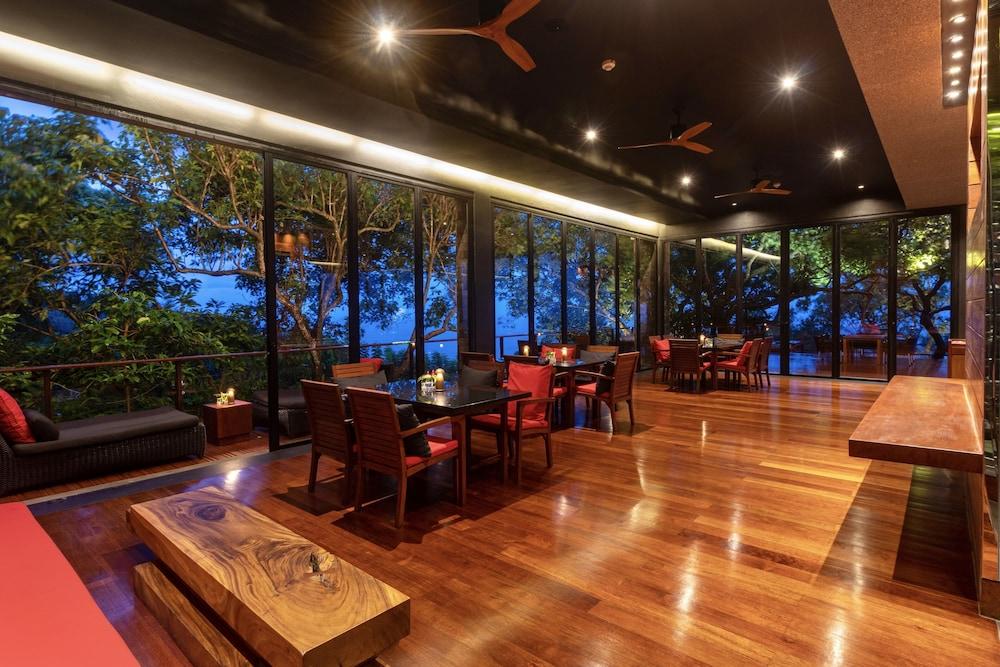 https://i.travelapi.com/hotels/3000000/2900000/2898300/2898282/c3610995_z.jpg