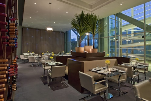 . Four Points by Sheraton Los Angeles
