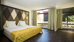 Double Room (2nd Line)