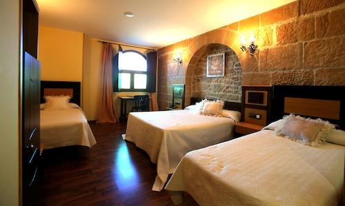 . Hotel Castillo Bonavia