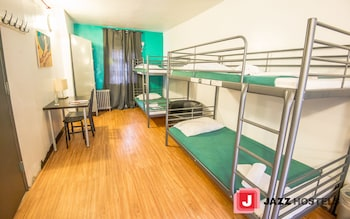 1 Single Bed in Shared Dorm (4 Beds), Mixed Dorm