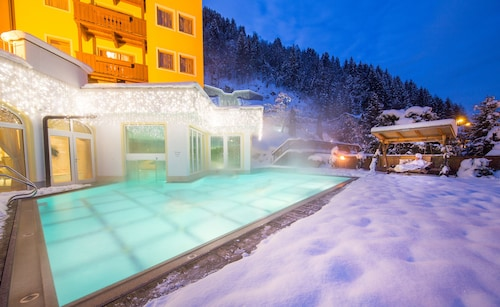 __{offers.Best_flights}__ Sport und Familienresort Alpenblick