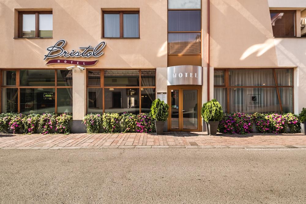 부티크 호텔 브리스톨