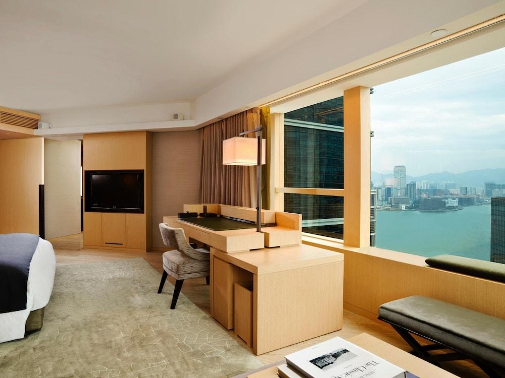 https://i.travelapi.com/hotels/3000000/2920000/2911200/2911108/141e1087_z.jpg
