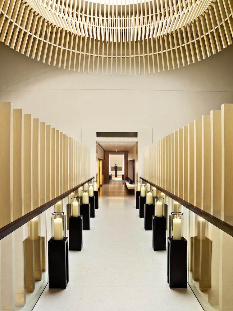 https://i.travelapi.com/hotels/3000000/2920000/2911200/2911108/347e8073_z.jpg