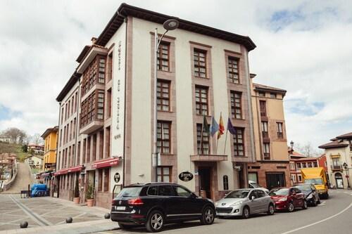 . Hotel El Sella