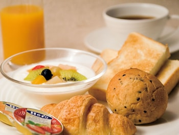HOTEL GRAND ARC HANZOMON Food and Drink