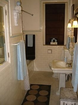 Rosedell Bed & Breakfast - Bathroom  - #0