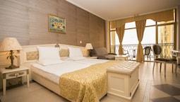 Double Room, Balcony, Park View