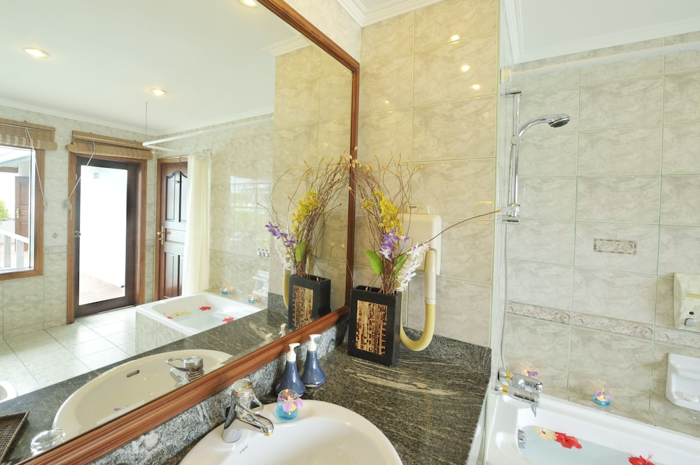 선 아일랜드 리조트 앤드 스파(Sun Island Resort & Spa) Hotel Image 28 - Bathroom
