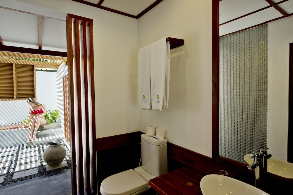 선 아일랜드 리조트 앤드 스파(Sun Island Resort & Spa) Hotel Image 29 - Bathroom