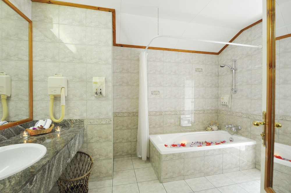 선 아일랜드 리조트 앤드 스파(Sun Island Resort & Spa) Hotel Image 30 - Bathroom