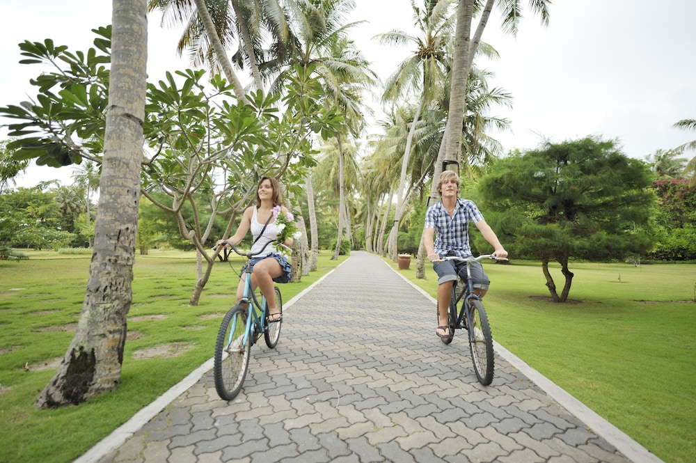 선 아일랜드 리조트 앤드 스파(Sun Island Resort & Spa) Hotel Image 50 - Bicycling