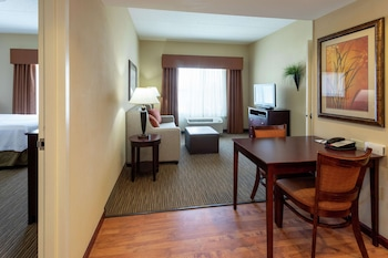 Suite, Accessible, Bathtub (Mobility & Hearing)