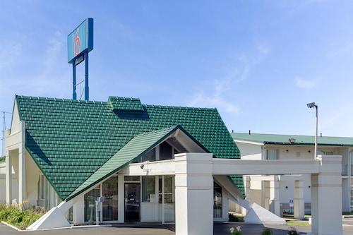 . Motel 6 Geneva, OH