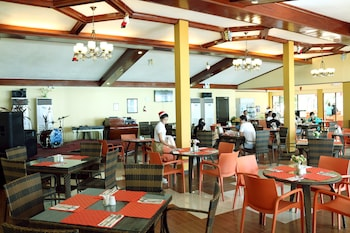 Paradise Garden Resort Hotel & Convention Center Boracay Coffee Shop