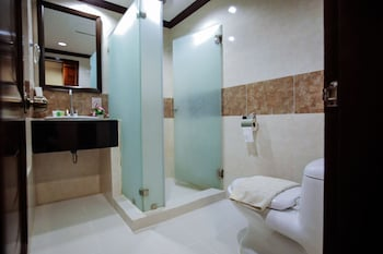 Paradise Garden Resort Hotel & Convention Center Boracay Bathroom Amenities