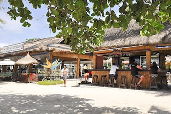 Paradise Garden Resort Hotel & Convention Center Boracay Hotel Bar