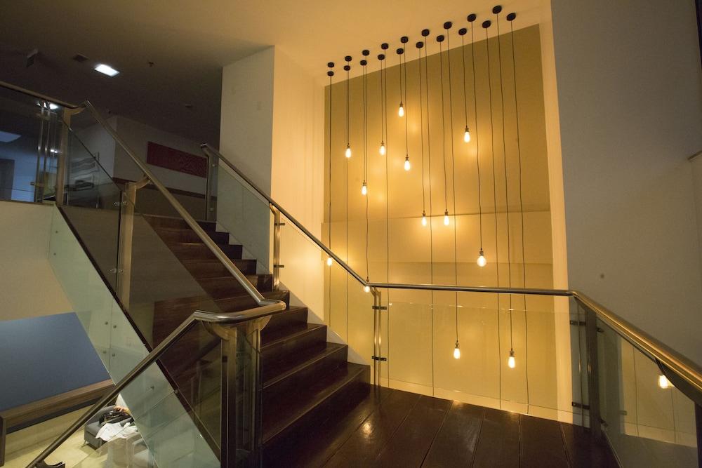 노빌 스위트 모누멘탈(Nobile Suites Monumental) Hotel Image 32 - Staircase