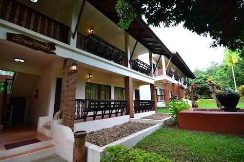 Touch Star Resort, Chom Thong