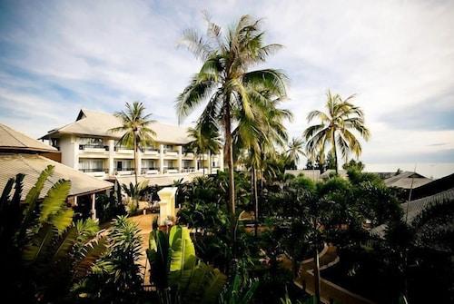 Golden Pine Beach Resort & Spa, Pran Buri