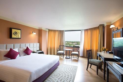 . The Imperial Hotel and Convention Centre Phitsanulok