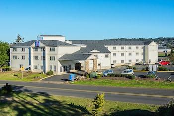 Motel 6 Newport, OR photo