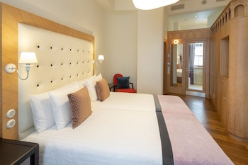 Double Room (Dome)