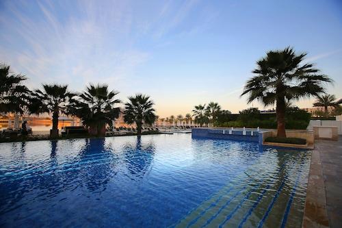 . Fairmont Bab Al Bahr
