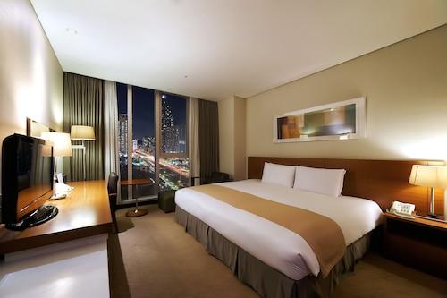 . Orakai Songdo Park Hotel