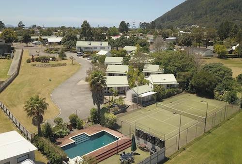 . Pauanui Pines Motor Lodge