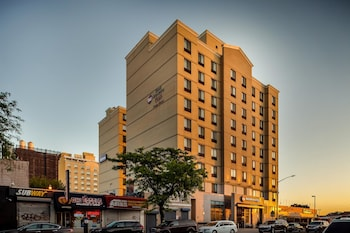 Book Best Western Plaza Hotel New York City in Long Island City.