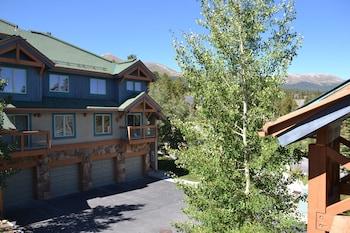 Hotel - Los Pinos by Ski Village Resorts