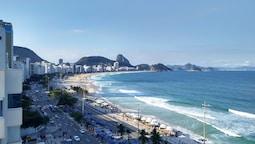 Selina Copacabana
