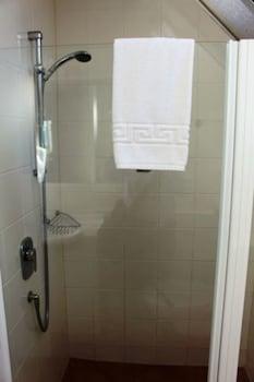 Bucklands Beach Waterfront Motel - Bathroom  - #0