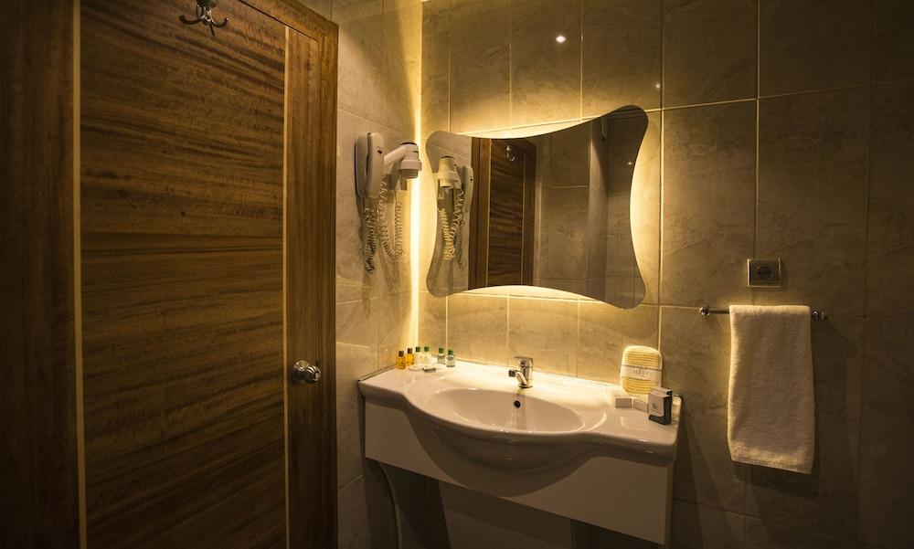 마리아 호텔(Marya Hotel) Hotel Image 17 - Bathroom