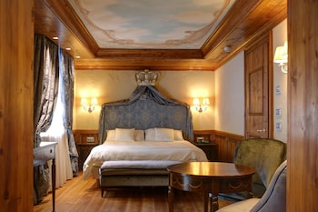 Romantic Double or Twin Room