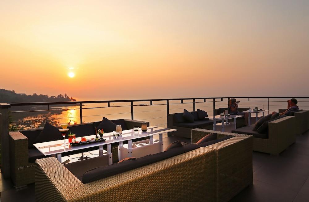 https://i.travelapi.com/hotels/3000000/2950000/2945800/2945736/2ec5413b_z.jpg