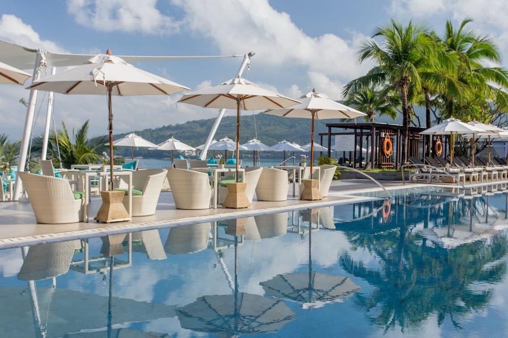 https://i.travelapi.com/hotels/3000000/2950000/2945800/2945736/40546657_z.jpg