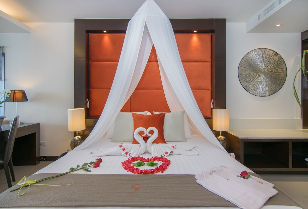 https://i.travelapi.com/hotels/3000000/2950000/2945800/2945736/78f76b79_z.jpg
