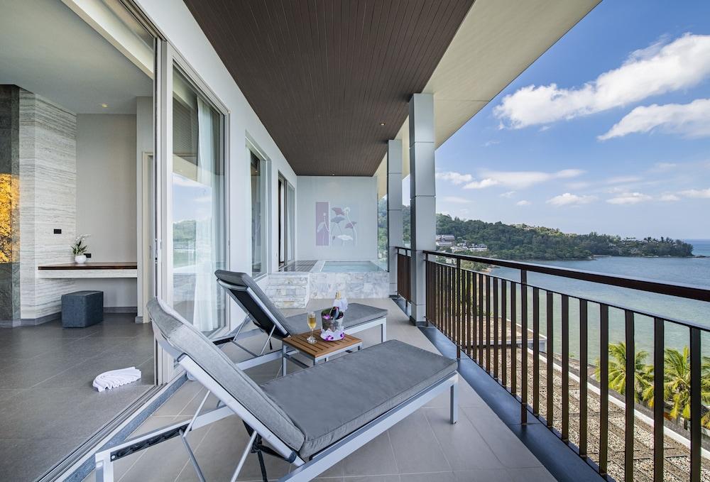 https://i.travelapi.com/hotels/3000000/2950000/2945800/2945736/bfbd2fce_z.jpg