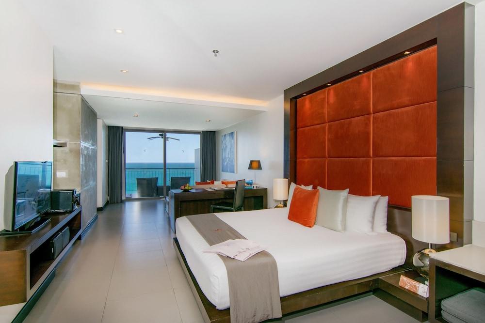 https://i.travelapi.com/hotels/3000000/2950000/2945800/2945736/edb2f238_z.jpg