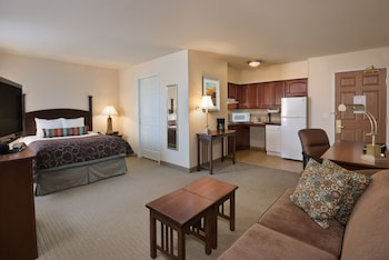 Room, 1 Queen Bed, Accessible, Kitchen (Mobility, Bathtub)