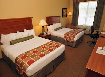 Hotel - Best Western Plus University Park Inn & Suites
