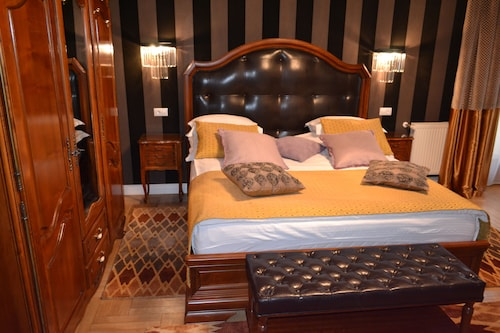 . Casa Cranta Hotel