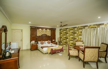 Club Suite, 1 Bedroom, Non Smoking, Garden View