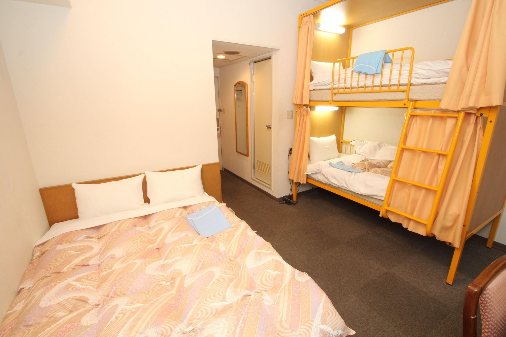 Sakura Hotel Ikebukuro - Hostel, Toshima